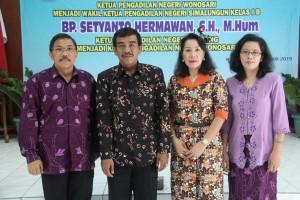 Pisah Sambut Ketua Pengadilan Negeri Wonosari dari Bp. Tiares Sirait, SH kepada Bp. Setyanto Hermawan, SH., M.Hum